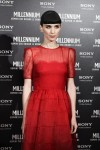 lookpurdy – Rooney Mara in Valentino – The Girl With The Dragon Tattoo Rome premiere 2