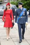 lookpurdy – Catherine, Duchess of Cambridge in Alexander McQueen – Diamond Jubilee Thames River Pageant 3